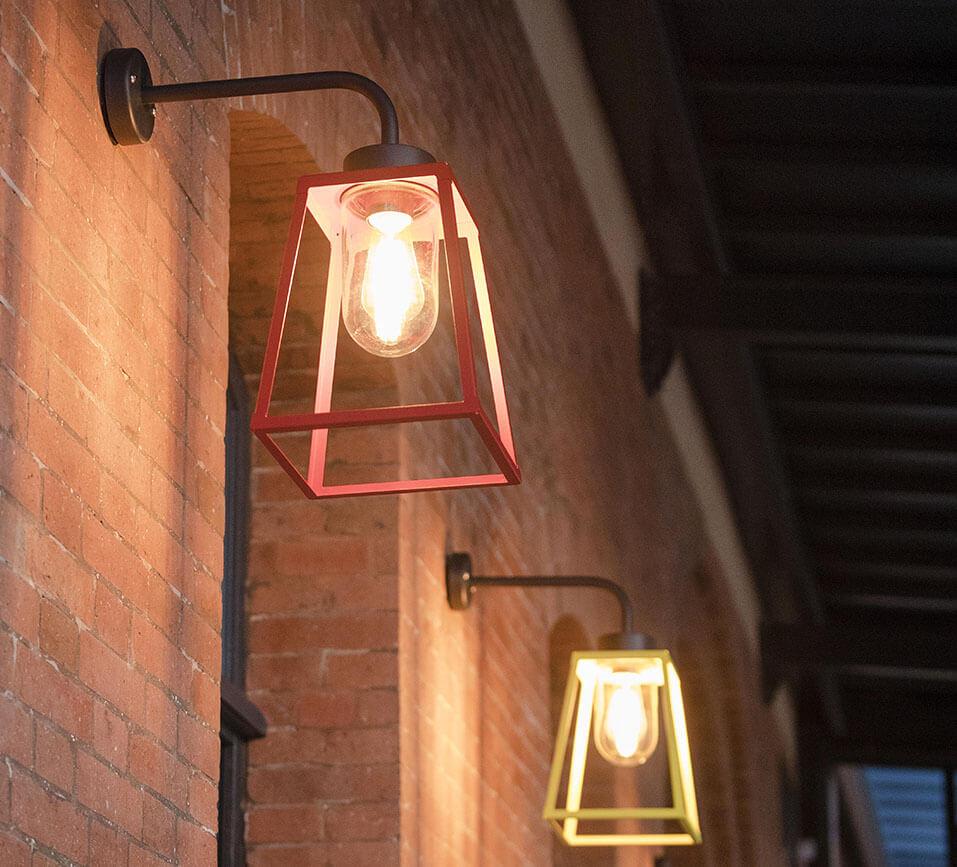 Lampe Exterieur Pour Tonnelle comment choisir ses luminaires extérieurs ? les critères | camif